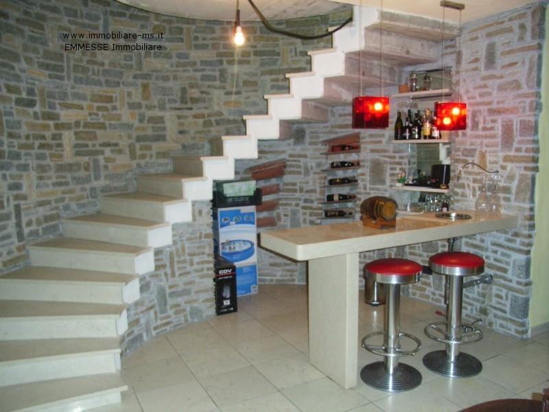 Angolo bar in casa angolo bar con pallet ecco idee da cui for Angolo bar per casa